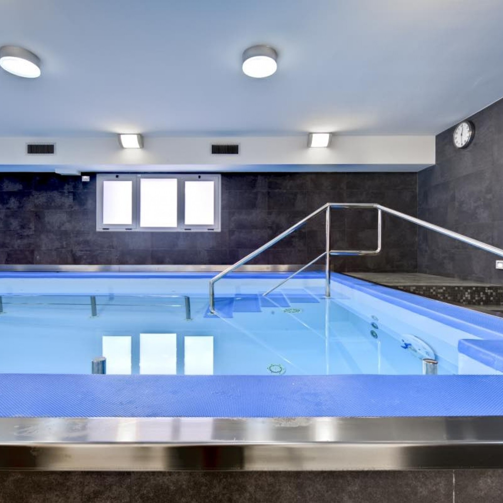 Piscine De Readaptation Cemi