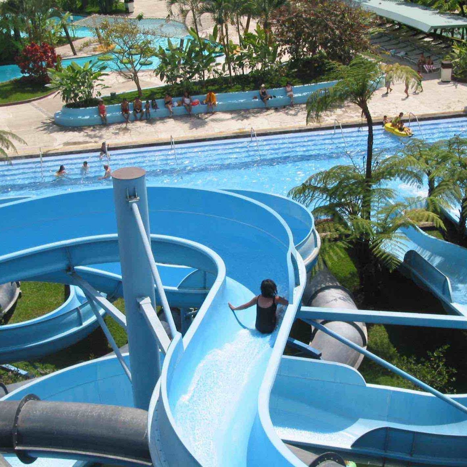 How much does it cost to build a water park cemi for Scivolo toboga