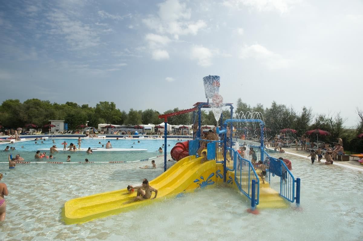 giochi-acquatici-piscina