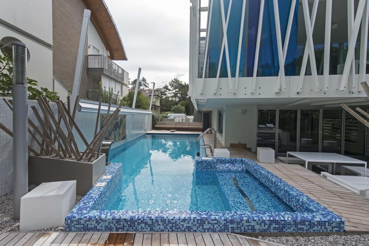 piscina_classica_mosaico